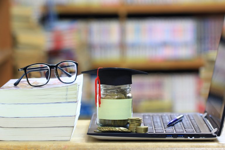 educatie financiara dreamstime_l_155021315