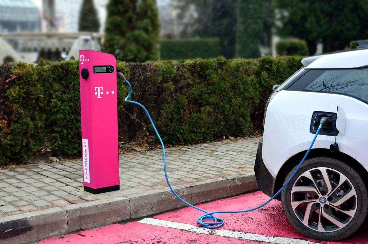 Statie incarcare masini electrice-Telekom