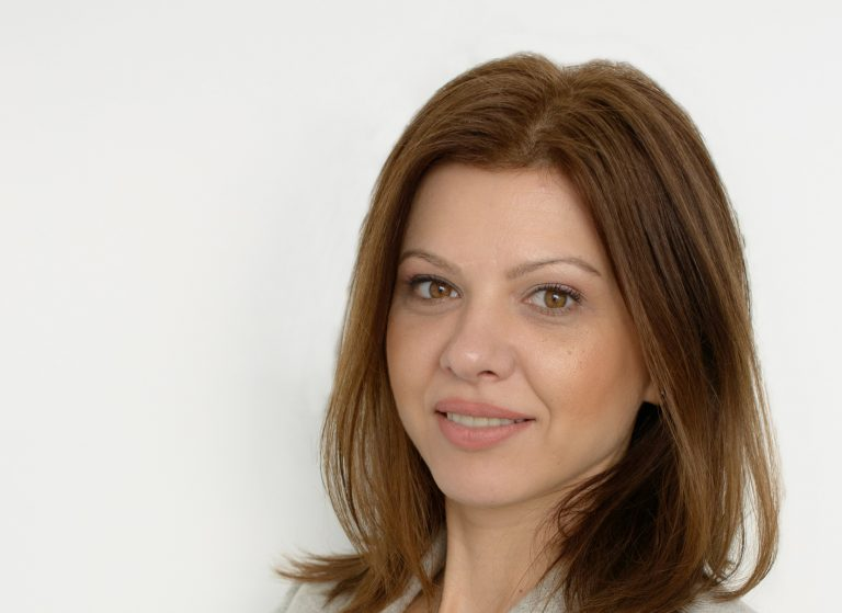 Diana Enachescu-IziDoc